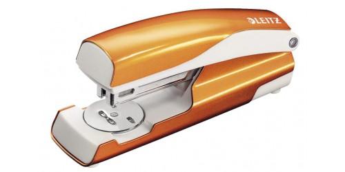 Leitz nietmachine 5502 oranje met.